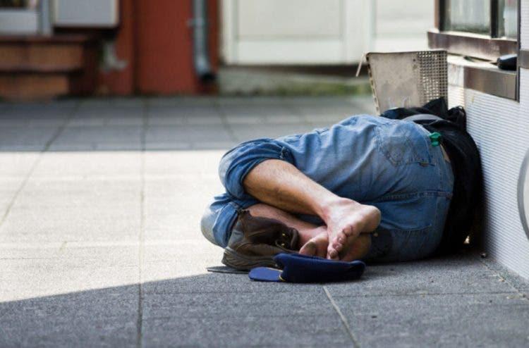 Se convierte en millonario después de vivir en las calles y solo da empleo a personas sin hogar
