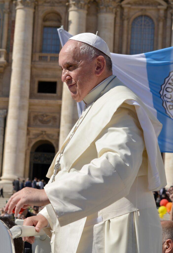 papa francisco biografía  papa francisco frases  papa francisco hoy  biografía del papa francisco resumen  papa francisco joven  la vida del papa francisco  papa francisco animado  congregación religiosa del papa francisco